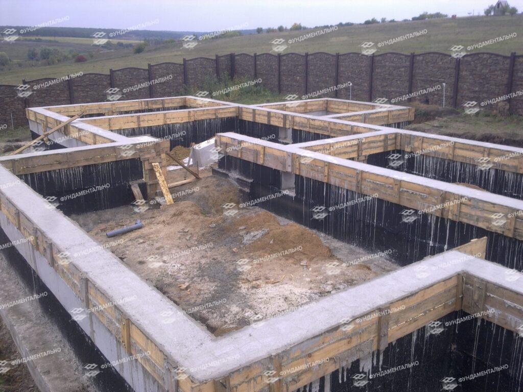 Основные этапы строительства ленточного фундамента - фото 14